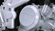 BMW G 310 R  มาพร้อมกับเครื่องยนต์สูบเดียวสี่จังหวะ 313 ซีซี 25 กิโลวัตต์ 34 แรงม้า ที่ 9,500 รอบต่อนาที แรงบิดสูงสุด 28 Nm ที่ 7,500 รอบต่อนาที - 9
