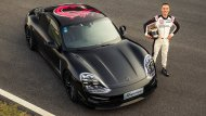 Porsche Taycan เริ่มการเปิดตัวเป็นครั้งแรกที่ Porsche Experience Centre ในเซี่ยงไฮ้ ในรายการ Porsche Carrera Cup Asia - 1