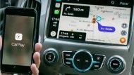 Apple CarPlay สามารถเชื่อมต่อแอพพลิเคชั่นบน iPhone ได้หลายแอพพลิเคชั่นมากไม่ว่าจะเป็น Waze, WhatsApp, Spotify และ Stitcher - 12