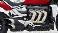 ส่วนขุมพลัง  Triumph Rocket 3 R และ Triumph Rocket 3 GT 2019 โฉมใหม่ ที่ใช้เคลมความเป็นที่สุดในโลกต่อไปได้อีกวาระคือเครื่องยนต์ 3 สูบ แถวเรียง ขนาดความจุ 2,500 ซี.ซี. และแรงบิด 221 นิวตันเมตร ที่ 4,000 รอบ สูงสุดเท่าที่เคยมีการผลิตจำหน่ายจากโรงงาน - 5