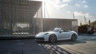 Porsche 911 Carrera 4มีทั้ง แบบ 2 ประตู คูเป้ และ 911 Carrera 4 Cabriolet แบบ 2 ประตู เปิดประทุน  - 2
