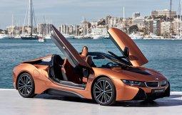 BMW i8 Roadster สปอร์ตคาร์โดนใจผู้ชื่นชอบความแรง
