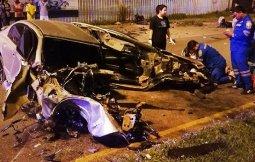 ตำรวจ ปปส. หวิดดับเจ็บปางตายซิ่ง CIVIC เสียหลักพุ่งชนเสาไฟฟ้าอย่างจังรถเสียหายพังยับ
