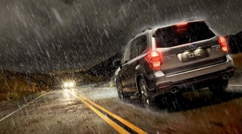 จะทำอย่างไรเมื่อต้องขับรถหน้าฝน และไม่ทำให้เพื่อนร่วมทางเดือดร้อน