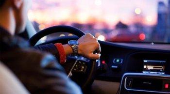 มือใหม่ควรรู้ ขับรถบนถนนสายหลักยังไงให้ปลอดภัย