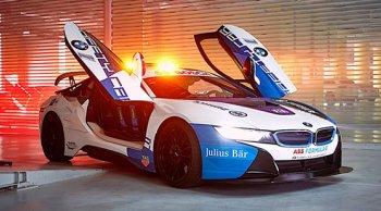 ถึงจะแรงก็ปลอดภัย ! BMW i8 Model 2019  ได้รับเลือกเป็น Safety Car ในการแข่งขันรถยนต์ Formula E Concept