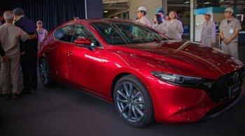 Mazda 3  ใหม่เริ่มสายพานการผลิตคันแรกในไทยเป็นที่เรียบร้อย