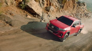 ราคาและตารางผ่อน ดาวน์ Toyota Hilux Revo รถกระบะสายพันธุ์แกร่ง ที่ให้มากกว่าความเป็นรถกระบะ