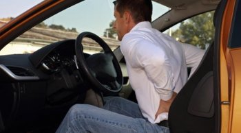 ปวดหลังตอนขับรถ แก้ได้ด้วย 6 วิธีนี้!
