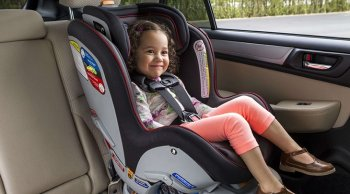 ข้อควรระวังเมื่อมีเด็กอยู่ในรถ ที่ผู้ปกครองต้องรู้!