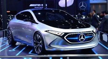 เมอร์เซเดส-เบนซ์ จัดหนักส่งท้ายปี อวดโฉมรถยนต์ไฟฟ้าต้นแบบ EQA พร้อมเปิดตัว  2 รถหรูแรงตระกูลเอเอ็มจี ในมอเตอร์ เอ็กซ์โป ครั้งที่ 35