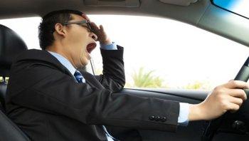 แนะนำเคล็ดลับแก้ง่วงเมื่อต้องขับรถในระยะทางไกล