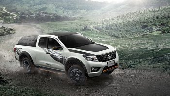 Nissan Navara Black Edition 2019   กระบะดีไซน์ใหม่เร้าใจสายสปอรต์พันธุ์แกร่ง