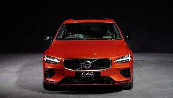 ราคาและตารางผ่อน ดาวน์ Volvo S60