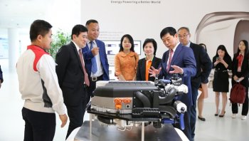 เกรท วอลล์ มอเตอร์ส พาทูตไทยชมโรงงานและศูนย์วิจัยพัฒนา