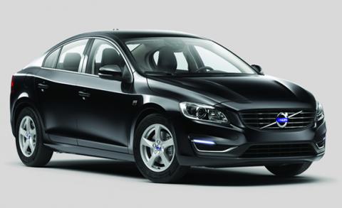 รายงานรถ Volvo S60 D3 สปอร์ตซีดานตัวใหม่จากวอลโว่ ราคาเริ่มต้นเพียง 1.99 ล้าน