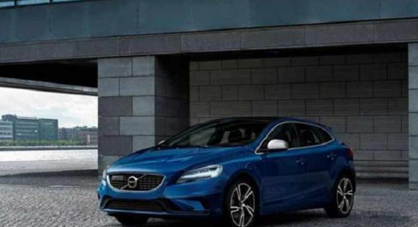 ราคาโดนใจ ดีไซน์มีเอกลักษณ์กับ ยานยนต์หรูจากฝั่งสแกนดิเนเวียน Volvo V40 2019