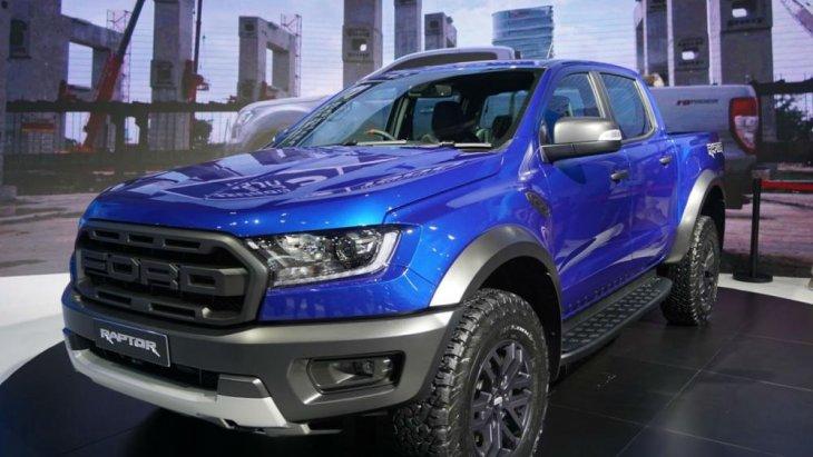 ด้านหน้า Ford Ranger Raptor