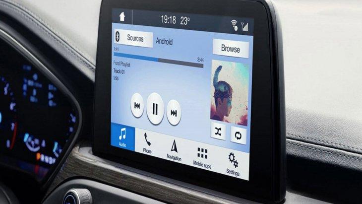 ขุมพลังของ ฟอร์ด โฟกัส 2018 มากับเครื่องยนต์เบนซินเทอร์โบ Ecoboost ขนาด 1.0 ลิตร และ เครื่องยนต์ดีเซล Ecoblue ขนาด 1.5 ลิตร ส่งกำลังผ่านระบบเกียร์แบบธรรมดา 6 สปีด และ อัตโนมัติ 8 สปีด พร้อมปุ่มหมุนปรับระดับเกียร์