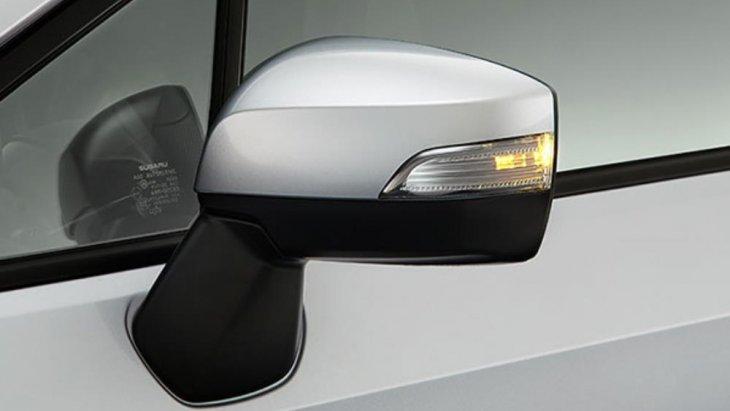 กระจกมองข้างติดตั้งไฟเลี้ยวแบบ LED และปรับด้วยระบบไฟฟ้า