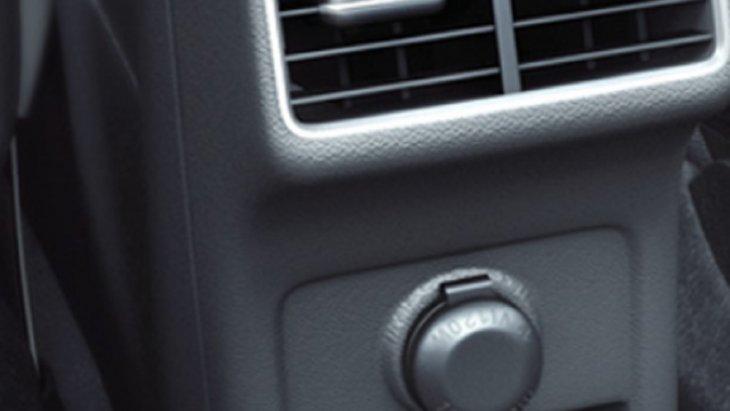 ช่องปรับอากาศสำหรับผู้โดยสารด้านหลัง เพื่อให้ผู้โดยสารได้รับอากาศเย็นสบายตลอดการเดินทาง
