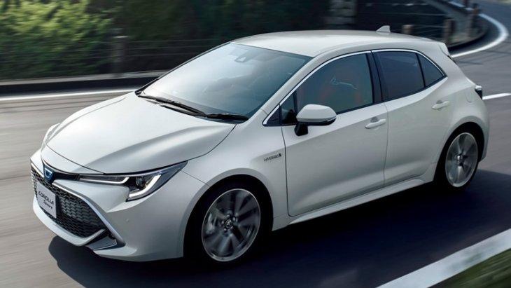Toyota Corolla Sport 2018 มีลักษณะเป็นตัวถังแฮทช์แบ็ค 5 ประตูแบบเดียวกับเวอร์ชั่นยุโรป แต่มีจุดแตกต่างที่โลโก้บนกระจังหน้าที่ถูกออกแบบให้เป็นรูปตัว C ซึ่งแสดงถึงชื่อรุ่น Corolla