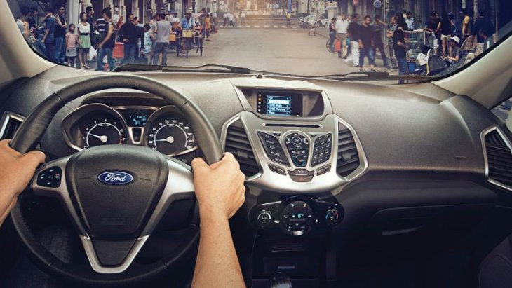 พวงมาลัยที่สามารถปรับระดับขึ้น-ลง และใกล้-ไกลได้ พร้อมตำแหน่งที่นั่งคนขับที่สูงกว่า เพื่อตอบสนองทุกการขับขี่