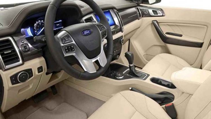 Ford Everest ให้ความผ่อนคลายในทุกการขับขี่ด้วยเบาะนั่งคนขับปรับไฟฟ้า 8 ทิศทาง เบาะนั่งแถวที่ 2 สามารถปรับเอนเลื่อนตำแหน่งหน้า-หลังได้ ส่วนเบาะนั่งแถวที่ 3 ปรับพับได้