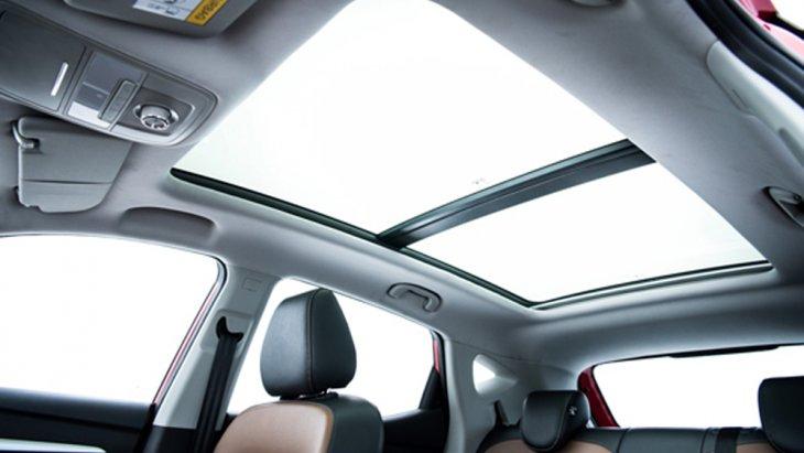 ให้ทุกทริปการขับขี่มีความหมายด้วยหลังคาซันรูฟแบบพาโนรามา (Panoramic Sunroof)