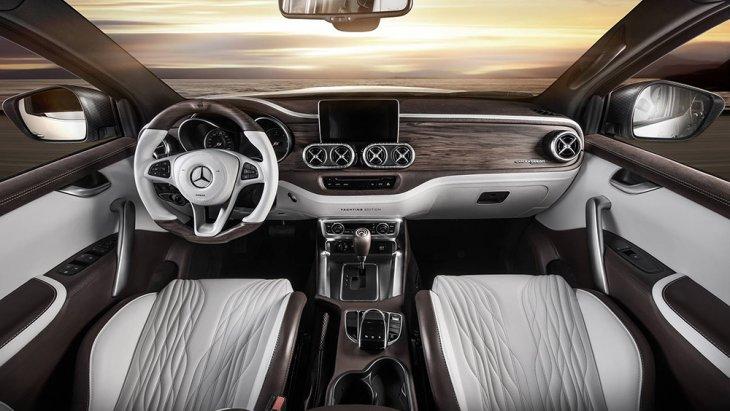 ส่วนภายในก็เป็นอีกหนึ่งไฮไลต์ของ Mercedes-Benz X-Class Yachting Edition ซึ่งหรูหรากว่า Mercedes-Benz X-Class ปกติมาก เบาะหนังเปลี่ยนเป็นของ Recaro Sportster และหุ้มหนัง Nappa Porzellan leather ให้ผิวสัมผัสเนียนละเอียดเหมือนก้นเด็ก