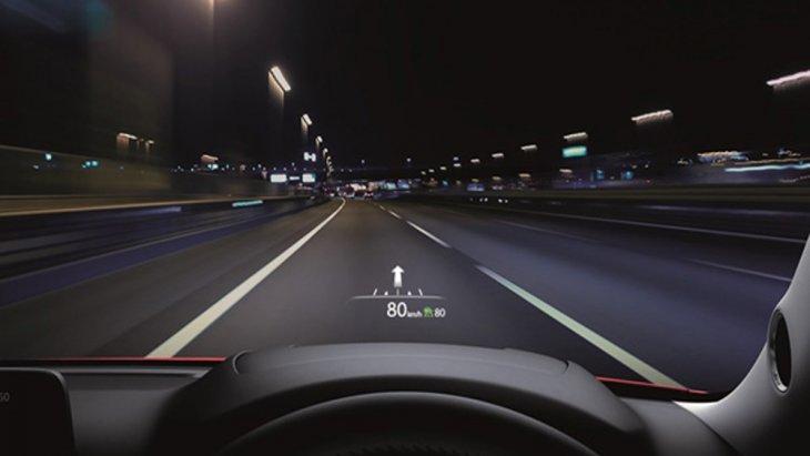 สร้างความพิเศษด้วยระบบ Windshield Active Driving Display แสดงข้อมูลการขับขี่แบบสีบนกระจกหน้ารถในระดับสายตาผู้ขับขี่