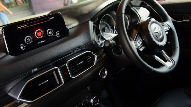 Mazda CX-5 Skyactiv เพิ่มความสะดวกด้วยพวงมาลัยแบบมัลติฟังก์ชั่นพร้อมปุ่มควบคุมการทำงานที่พวงมาลัย