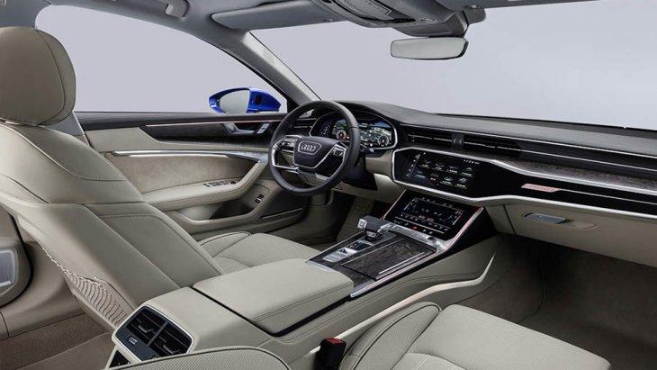 ภายในอาวดี้ A6 Avant รุ่นนี้ได้รับการออกแบบอย่างประณีตเสริมด้วยแดชบอร์ดที่มีขนาดใหญ่ขึ้นถึง 12.3 นิ้ว พร้อมระบบ Audi Virtual Cockpit แสดงผลการทำงานของระบบต่างๆภายในรถอย่างเด่นชัด