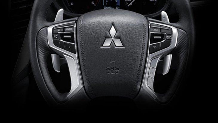 Mitsubishi Pajero Sport GT Premium ติดตั้งพวงมาลัยแบบมัลติฟังก์ชั่นปรับระดับได้ 4 ทิศทาง ขึ้น-ลง , เข้า-ออก