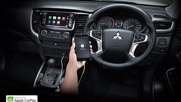 ให้ความพิเศษด้วยระบบ Apple Carplay เชื่อมต่อกับ Iphone ง่ายเพียงปลายนิ้วสัมผัสเฉพาะในรุ่น Double Cab Plus และ Mega Cab Plus ขับเคลื่อน 2 ล้อ
