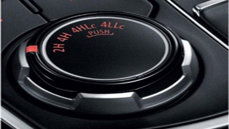 ระบบ Super Select 4WD (เฉพาะรุ่น GT Premium 4WD) ช่วยในการเปลี่ยนโหมดการขับขี่จากในรูปแบบขับเคลื่อน 2 ล้อ (2H) มาเป็นรูปแบบขับเคลื่อน 4 ล้อ (4H) แบบ Full Time All Wheel พร้อมโหมดให้ปรับเปลี่ยนถึง 4 ระดับ