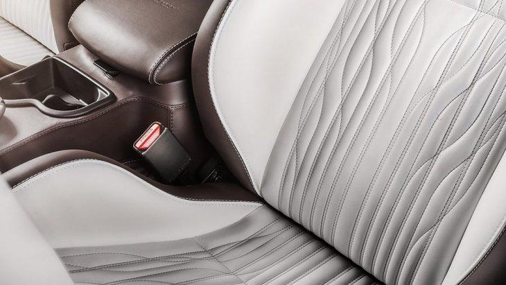 เบาะหนังเปลี่ยนเป็นของ Recaro Sportster และหุ้มหนัง Nappa Porzellan leather
