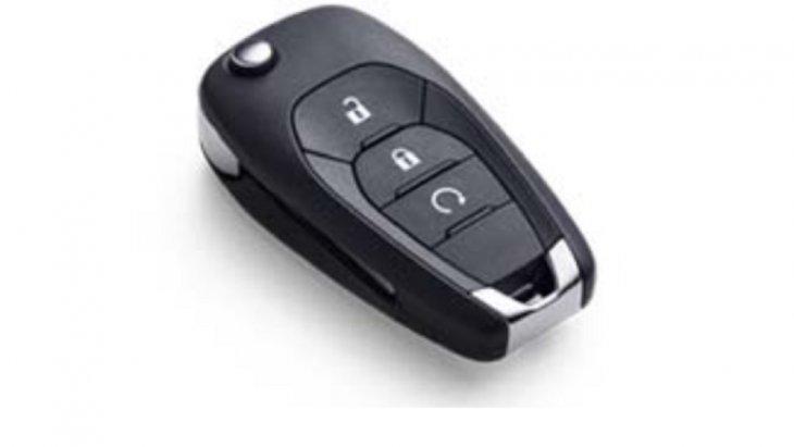 กุญแจพร้อมรีโมทคอนโทรล สามารถสตาร์ทรถจากระยะไกลได้ แม้อยู่นอกตัวรถ พร้อมทั้งสั่งการให้ระบบปรับอากาศ ทำงานโดยอัตโนมัติ