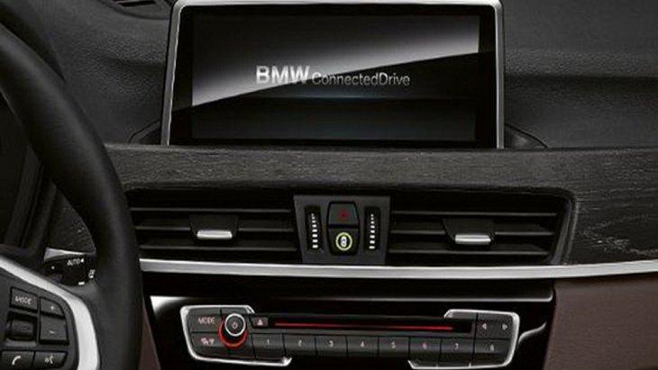 ให้ความบันเทิงด้วยระบบอินโฟเทนเมนท์บนหน้าจอ LCD ระบบสัมผัสขนาด 8.8 นิ้ว รองรับระบบ RDS Double Tuner