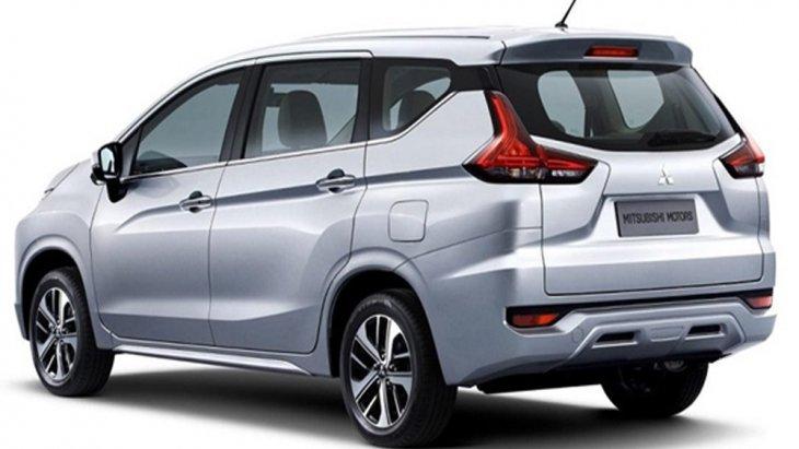 ด้านหลัง Mitsubishi Xpander 2018 ติดตั้งไฟท้ายรวมถึงไฟหรี่แบบ LED L-Shape และ ไฟเบรกดวงที่ 3 เสริมด้วยการติดตั้งสปอยเลอร์ทรงสปอร์ตแบบใหม่ล่าสุด