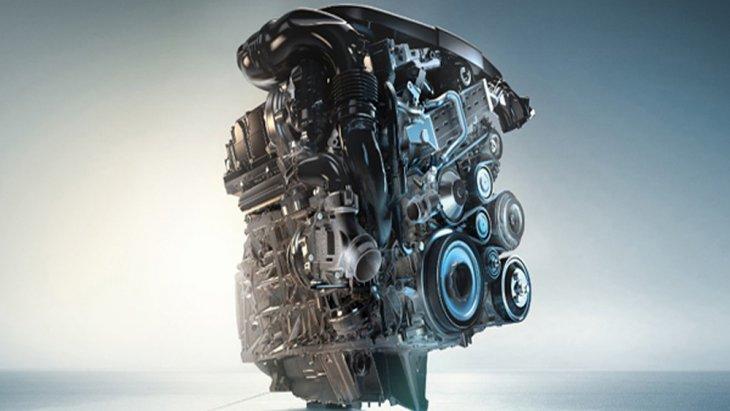 BMW X1 2018 ได้รับการติดตั้งขุมพลังเครื่องยนต์เบนซิน 3 สูบ รหัส B38 BMW Twin Power Turbo ขนาด 1.5 ลิตร ให้กำลังสูงสุด 136 แรงม้า ความเร็วสูงสุด 200 กิโลเมตร/ชั่วโมง อัตราเร่ง 0-100 กิโลเมตรภายใน 9.7 วินาที