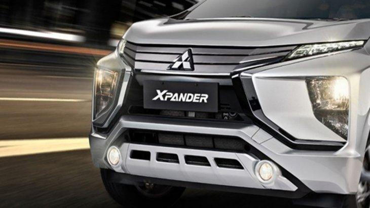 Mitsubishi Xpander 2018 ได้รับการดีไซน์ภายนอกให้ดูสปอร์ตแฝงไว้ด้วยความทันสมัยในร่าง MPV ไซส์มินิโดดเด่นด้วยกระจังหน้าแบบโครเมี่ยม Triple-Slat พร้อมไฟหน้าแบบ LED