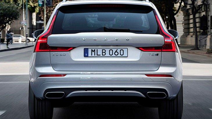 Volvo XC60 T8 เพิ่มความโฉบเฉี่ยวด้วยการดีไซน์ไฟท้ายแบบแนวยาวขนานกับเสา C อันเป็นเอกลักษณ์ของวอลโว่