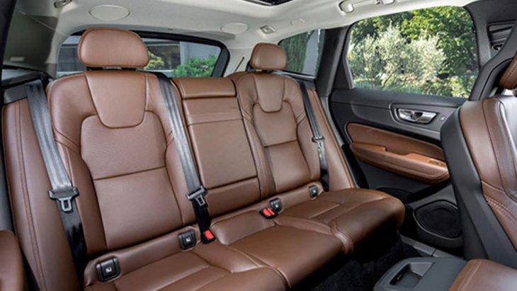 Volvo XC60 T8 ติดตั้งเบาะหนังแท้มีลายในตัวสีน้ำตาล Maroon Brown