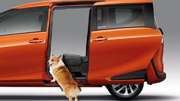 ระยะห่างระหว่างตัวรถและพื้นถนนต่ำ สามารถก้าวขึ้น-ลง ได้อย่างสะดวกสบาย