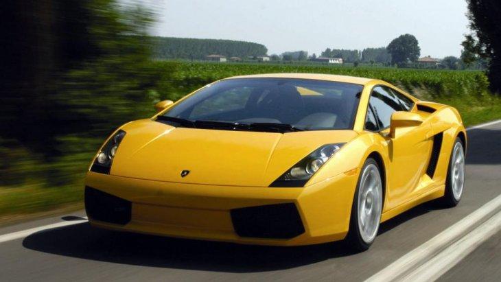 ความแรงและสมรรถนะที่มากับตัวรถ ที่  Lamborghini Gallardo 2004  ตั้งใจทำออกมาให้กับคนรักรถโดยเฉพาะ