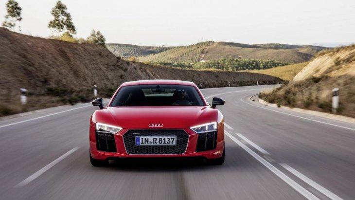 Audi R8 V10 Plus Neuberg Edition มาพร้อมองค์ประกอบที่โดดเด่นหลายอย่าง เพื่อสะท้อนให้เห็นความต่างจาก 'R8 V10 Plus' รุ่นมาตรฐาน