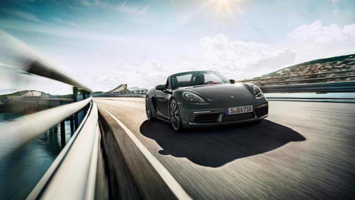 เส้นสายของการออกแบบยังคงยึดดีไซน์ที่เป็นเอกลักษณ์ดั้งเดิมของรถสปอร์ตจาก Porsche ที่มาพร้อมกับเครื่องยนต์ 4 สูบ นอนใหม่ พ่วงด้วยเทอร์โบ ขนาดความจุลดลงเหลือ 2.0 ลิตร ให้กำลังสูงสุด 300 แรงม้า และแรงบิด 380 นิวตันเมตร