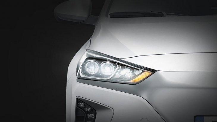 ไฟหน้าแบบ LED เพิ่มทัศนะวิสัยยามค่ำคืนด้วยแสงที่สว่างกว่าในขณะที่ใช้พลังงานน้อยกว่าเมื่อเทียบกับไฟธรรมดา