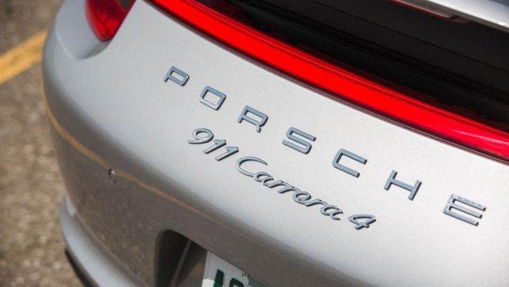 โดยตอบโจทย์เรื่องความเร้าใจแบบถึงกึ๋นมากยิ่งขึ้นด้วย โดย ระบบ  Porsche Traction Management (PTM) จะเข้ามาทำงานในการควบคุมกำลังกระจายแรงบิดจากกำลังของเครื่องยนต์ผ่านไปยังล้อหน้าและหลังของตัวรถ